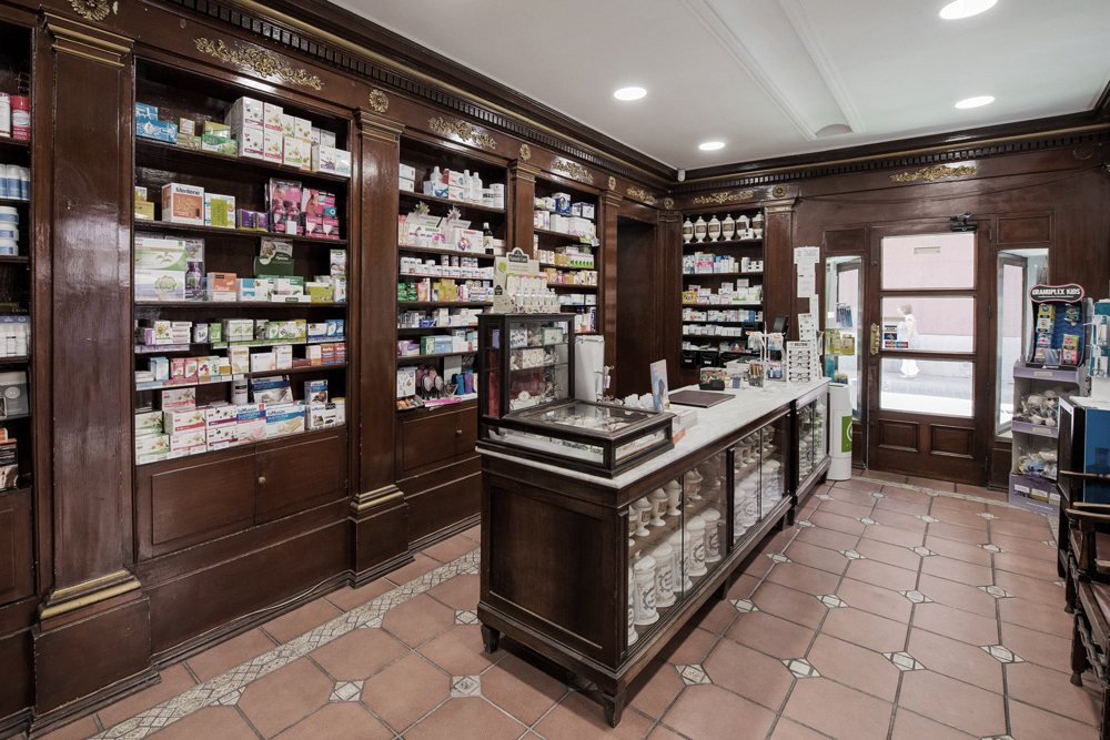 Farmacia le n led light design - Proyectos de farmacia ...